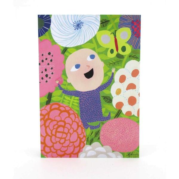 Postkarte Baby zwischen Blumen