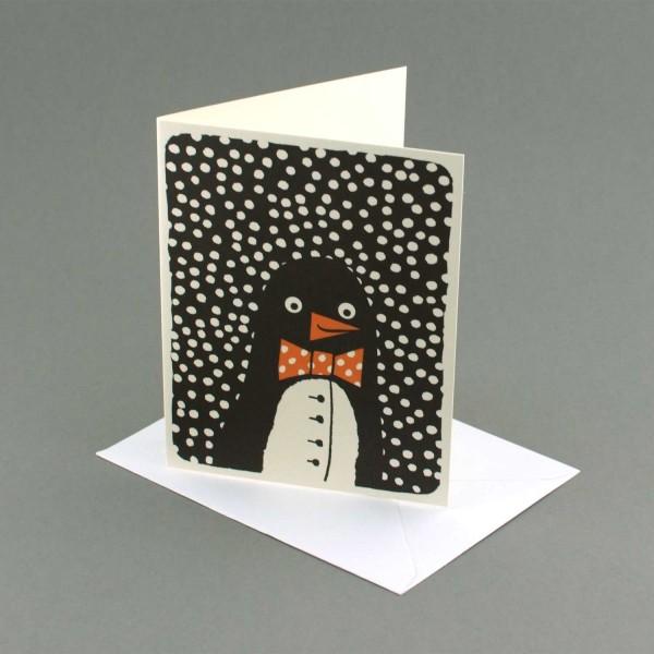 Weihnachtskarte Pinguin im Schnee, Lisa Jones